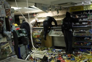 Looters rampage